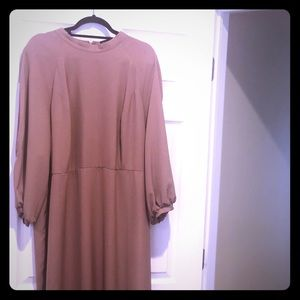 Beige dress with dramatic sleeves!